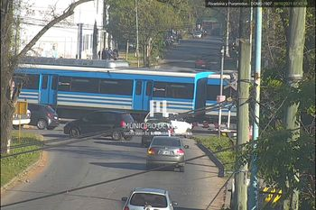 El trágico caso fue en el paso nivel de calle Sarmiento en Morón