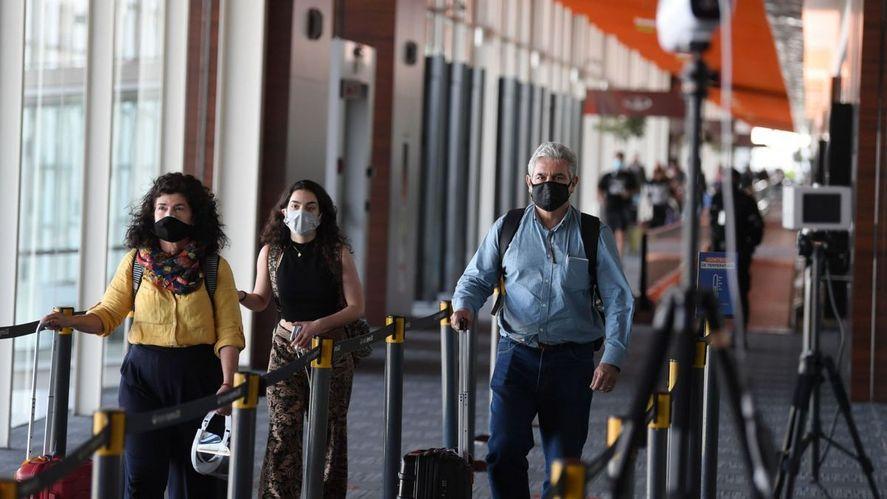 Según la fiscalización, un 38% de personas incumplió el aislamiento luego de ingresar al país.
