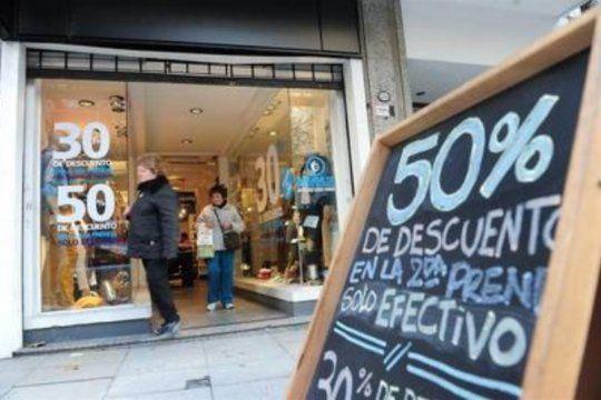 Las ventas minoristas cayeron un 6,7% anual en noviembre pero se recuperan contra octubre