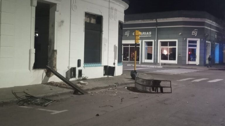 La Cámpora sufrió un atentado en uno de sus locales partidarios en Bahía Blanca.