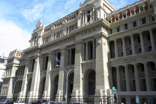 gobernadores fueron a la corte para solicitar que declare inconstitucional las medidas economicas de macri