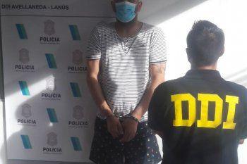 El hombre de 34 años está acusado de amenazar y extorsionar a comerciantes chinos