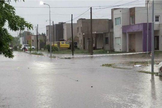 Para asistir a los habitantes de Dolores que sufrieron el temporal, el Ministerio de Desarrollo de la Comunidad envió asistencia.visibility