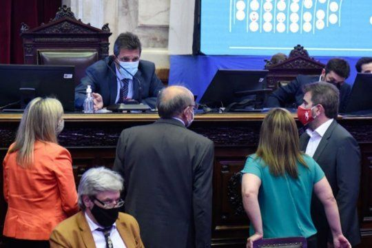 Fuerte cruce entre Sergio Massa y Mario Negri por las PASO en Diputados.