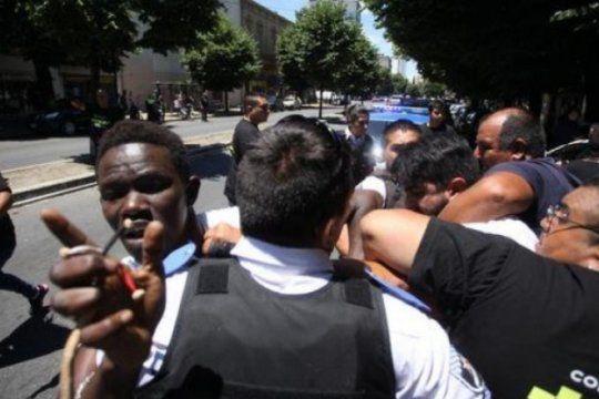 migrantes: presentan protocolo de actuacion ante la detencion arbitraria de trabajadores ambulantes