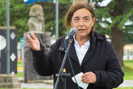 La concejal azuleña Inés Laurini cuestionó el manejo de las finanzas municipales (Foto Facebook Inés Laurini)