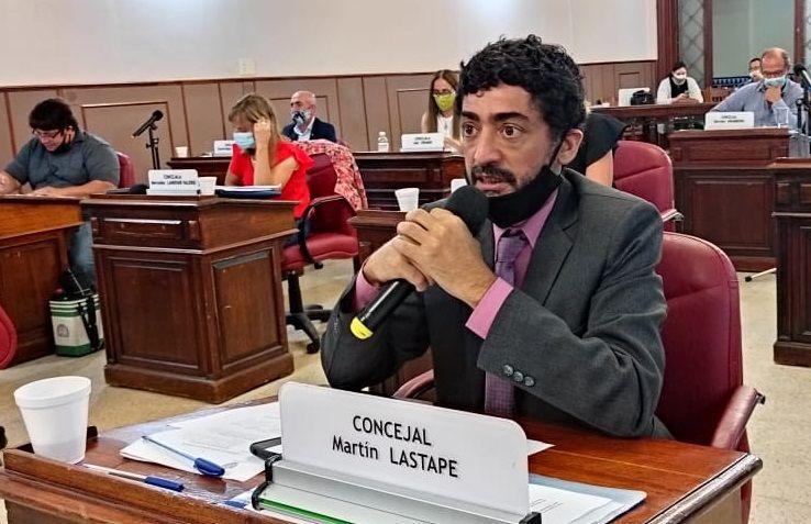 El concejal de la UCR, Martín Lastape, impulsor del ente de control de servicios públicos concesionados ( Foto prensa HCD de Olavarría)