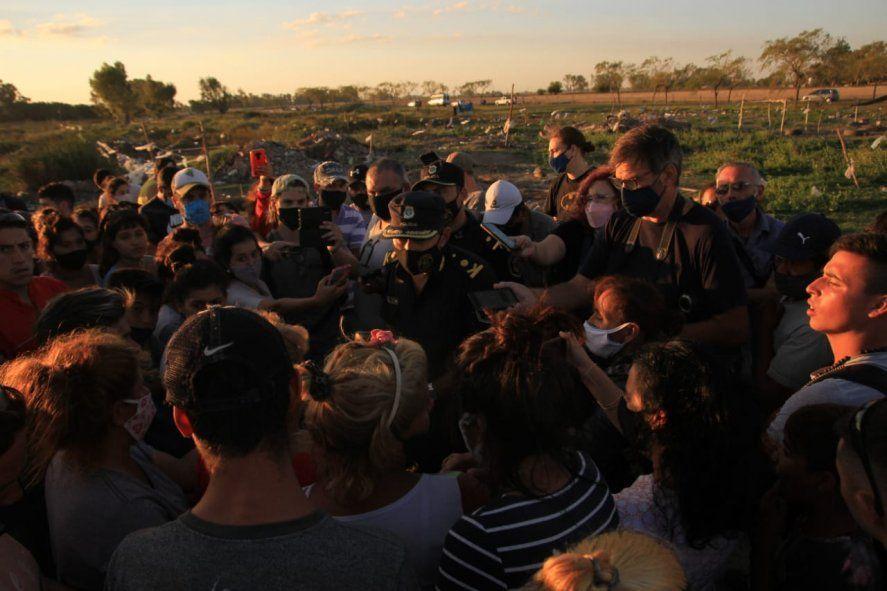 Olavarría: Más familias se sumaron a la toma y hay temor por una posible represión