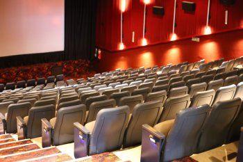Ayer fue la reapertura de los cines de La Plata tras casi un año.