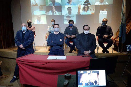 medicos platenses rompen la cuarentena para protestar contra ioma y se comparan con el caso vicentin
