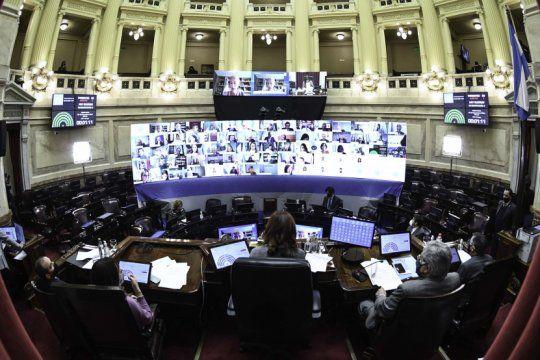 el senado aprobo por unanimidad la ley de reestructuracion de deuda