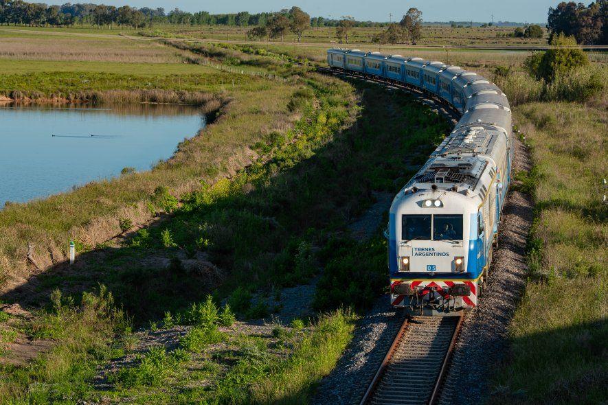 Desde el próximo lunes 18 habrá tres frecuencias diarias en el tren a Mar del Plata.