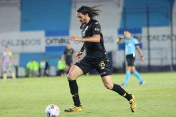 ezequiel Schelotto en su debut en Racing