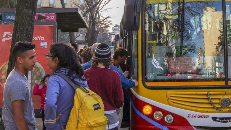 Paro de transporte: la UTA comenzó con la medida de fuerza tras el fracaso de las paritarias