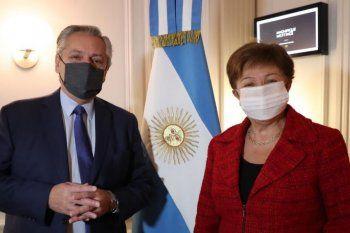 argentina realiza hoy el primer pago al fmi por la deuda de macri