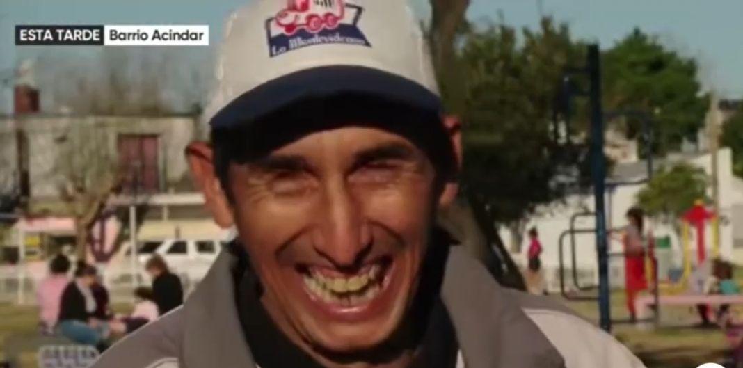 Alejandro, vende churros en Rosario y es muy parecido a Ángel Di María