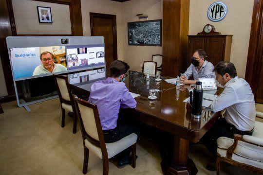 Kicillof participó de la reunión con intendentes de forma virtual.