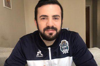 Mariano Maida dejó de ser el DT del fútbol femenino de Gimnasia.