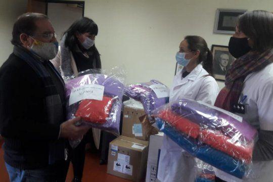 presos donaron camisolines, cofias y botas al hospital san felipe de san nicolas