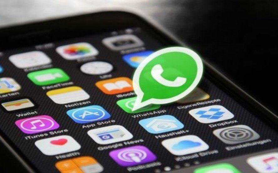 """Las novedades de WhatsApp: Conocé en qué consisten """"Modo nocturno"""" y """"Autodestrucción de mensajes"""""""