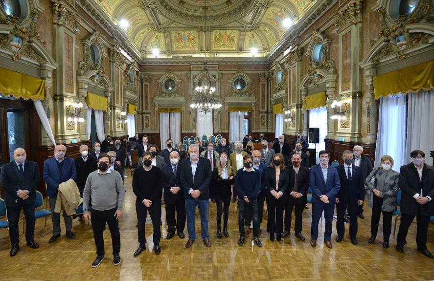 Axel Kicillof recibió en la Casa de Gobierno de la provincia de Buenos Aires a los rectores y representantes de las diferentes universidades bonaerenses.