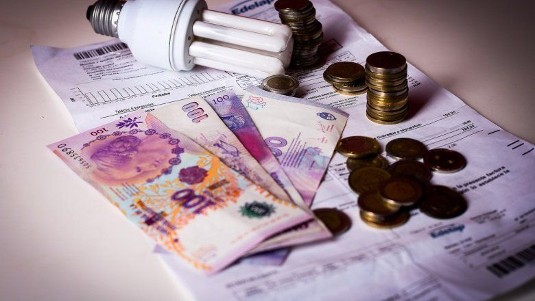 Las tarifas de los servicios públicos representan casi un cuarto del salario de los argentinos