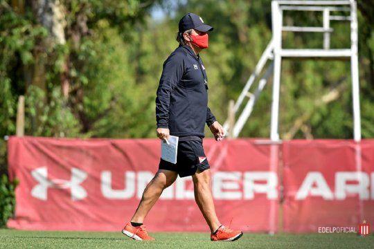 .Ricardo Zielinski entrenador de Estudiantes.