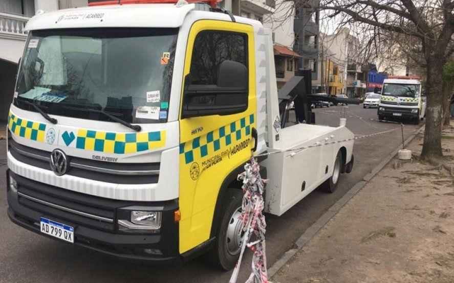 Se acabó lo que se daba: llegaron a La Plata las primeras grúas para acarrear autos en infracción