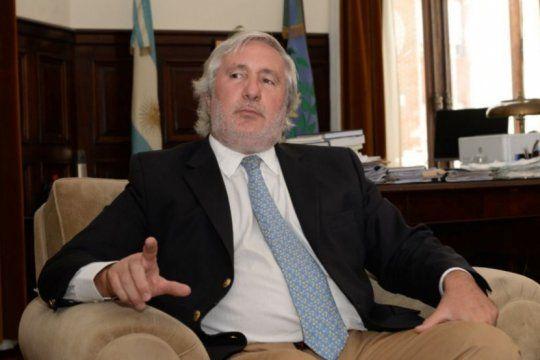 El Procurador General Julio Conte Grand le apunta a un fiscal al que considera kirchnerista.