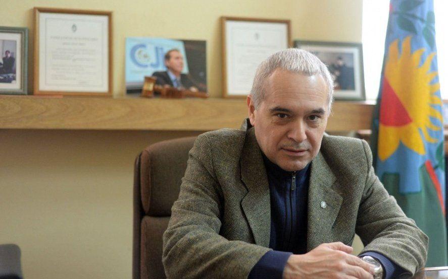 La Plata: se entregó un subcomisario acusado de liberar zonas a delincuentes
