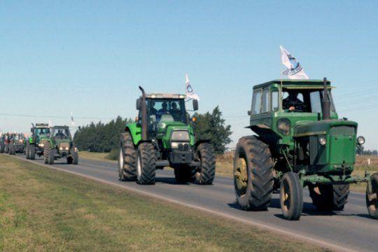 retenciones: diferentes productores rurales bonaerenses ya amenazan con un ?tractorazo?