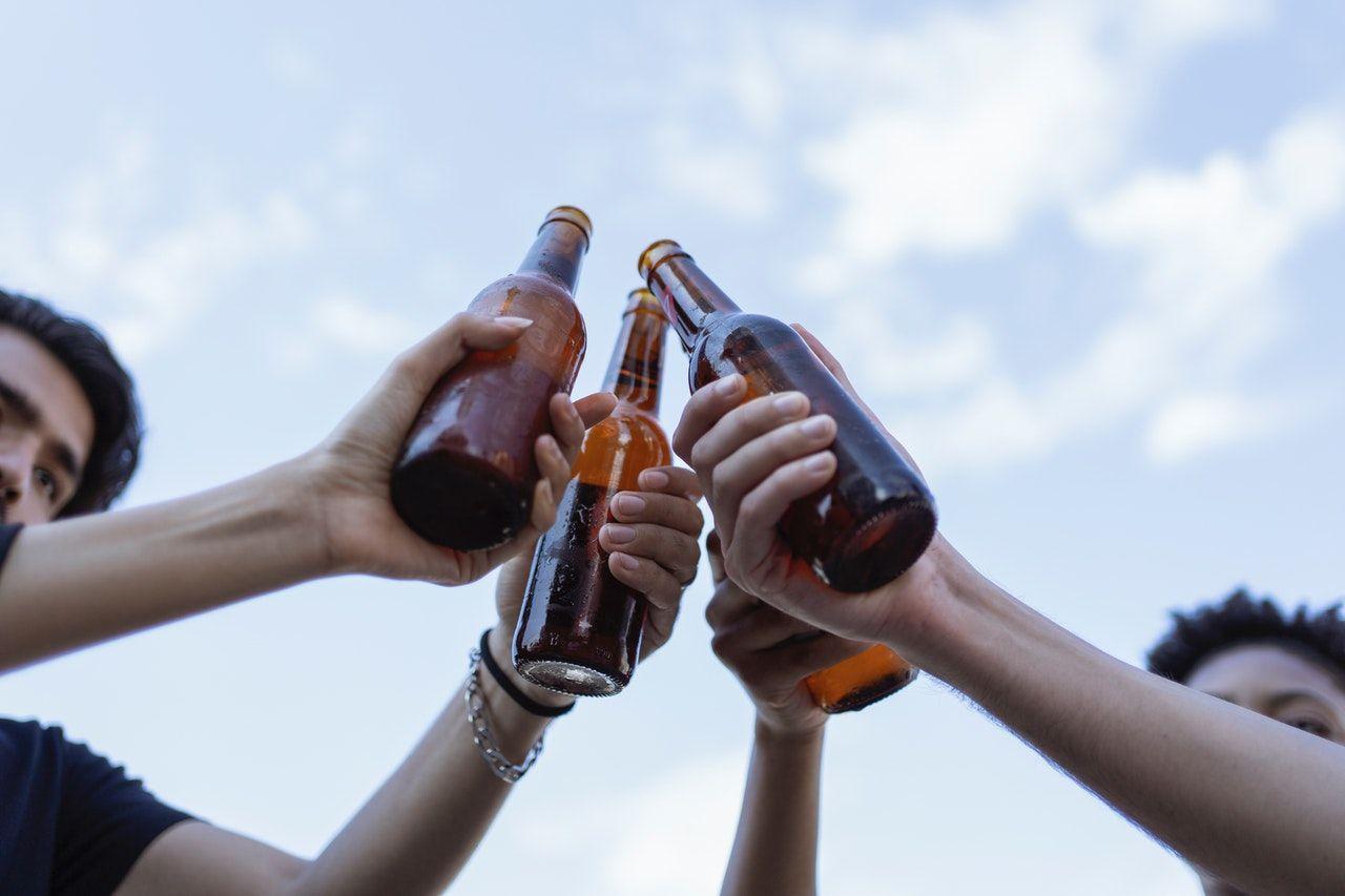 La Defensoría del Pueblo alertó sobre las consecuencias negativas del consumo de alcohol en adolescentes
