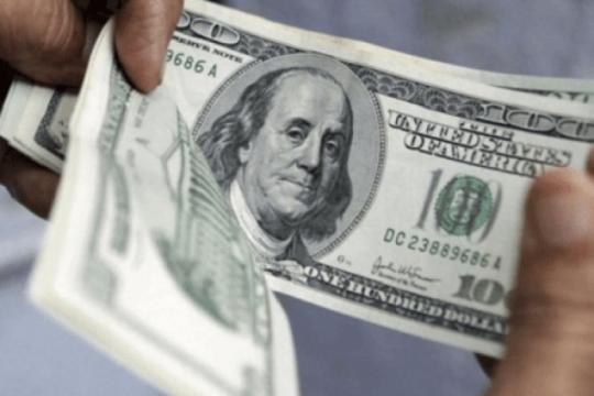 dolares en fuga: desde el 2016, unos u$s 40.000 por minuto salen del sistema formal
