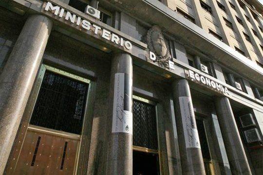 El Ministerio de Economía lanzó el llamado a licitación para el jueves de Letras de Tesoro en pesos
