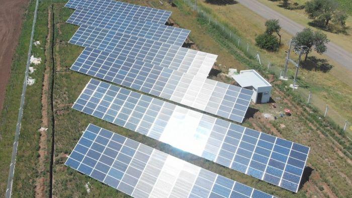 comenzo la obra para instalar un parque solar en mechongue