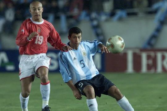 el bautismo del gigante: hace 17 anos el estadio unico tenia su primer gala futbolera