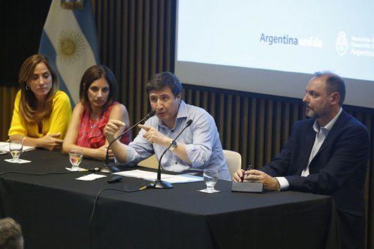 se presenta argentina contra el hambre, en la plata y cinco distritos de la region