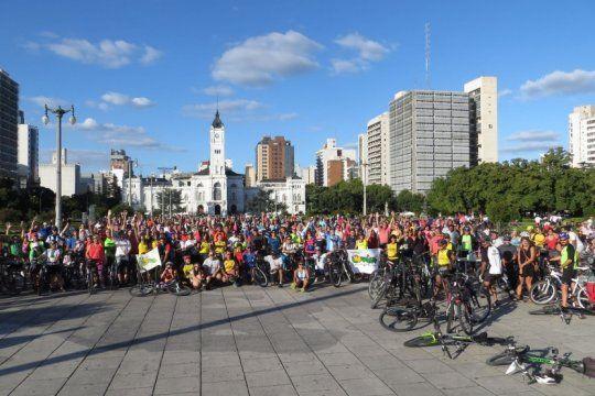 asaltos, emboscadas y piedrazos: ciclistas platenses denuncian casos extremos y renuevan su pedido de seguridad