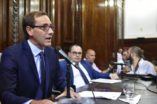 julio garro solicita la suspension de actividades por 15 dias al gobernador y presidente