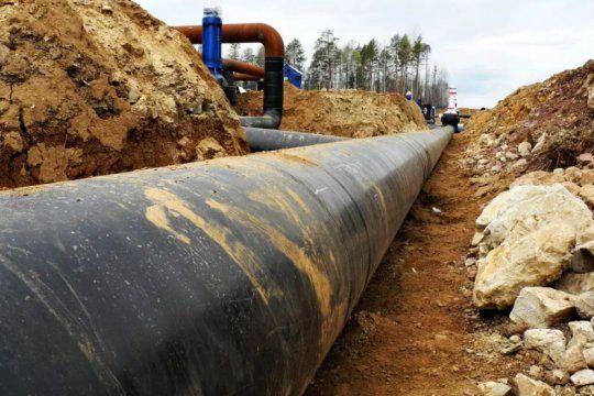 robaron durante meses petroleo de oleoductos de ypf: 21 detenidos