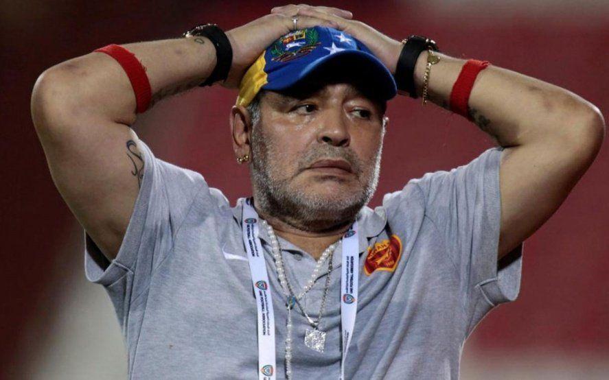"""""""Todos los arqueros son boludos"""": el karma que persigue a Maradona"""