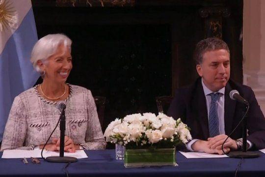 nuevo acuerdo con el fmi: se adelanta el credito y se amplia su monto total a 57.100 millones de dolares