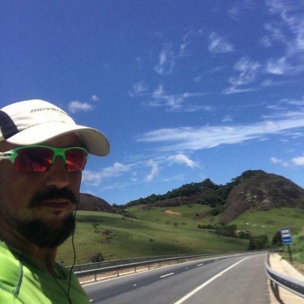 Un ciclista de Mar del Plata lleva 5 meses recorriendo América en bicicleta y busca llegar hasta Alaska