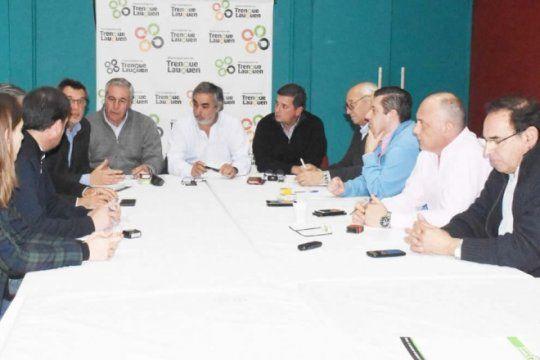 en el sudoeste, diez intendentes firmaron convenio de recoleccion de residuos patogenicos