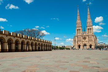 Este fin de semana es la peregrinación a Luján. El templo estará cerrado, pero se podrá ver la imagen de la Virgen.