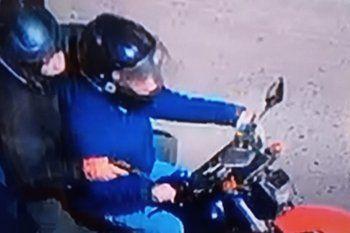 Dos motochorros asaltaron esta mañana a una joven en Moreno