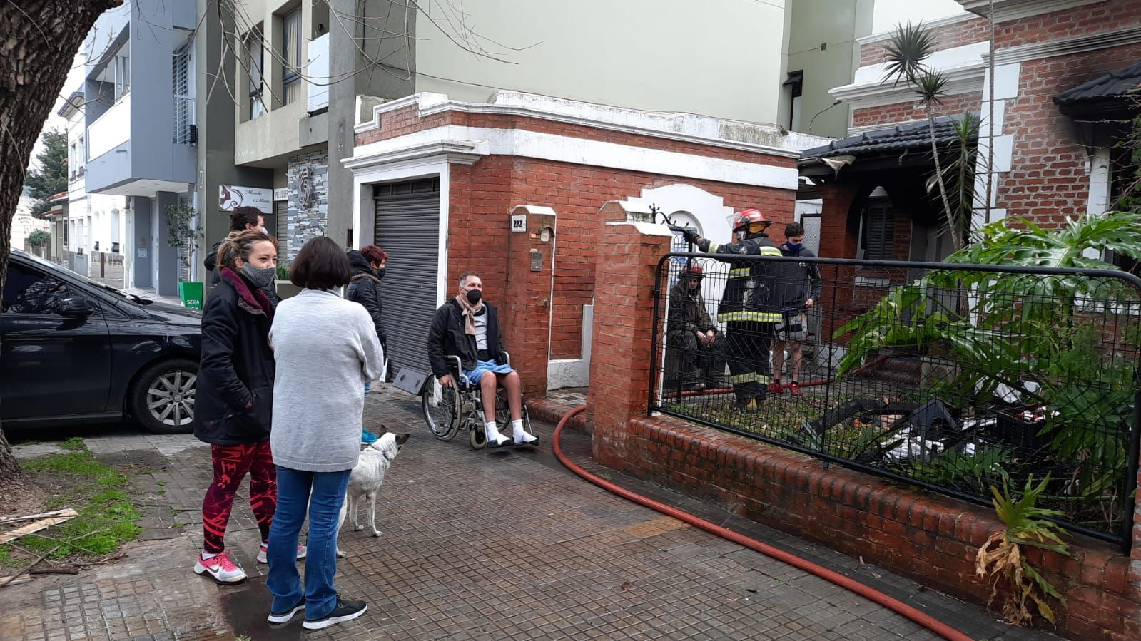 Bomberos sofocaron un incendio en la casa del exconcejal Julio Irurueta