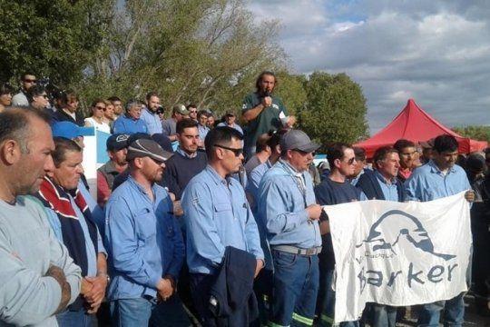 desolacion en barker: loma negra cierra la planta y comienza a despedir a los trabajadores