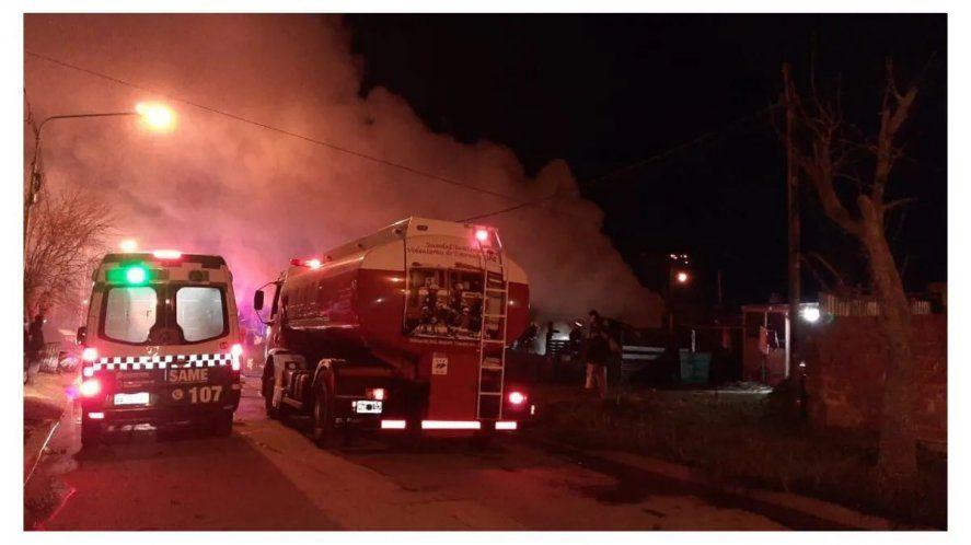 Continúa el dolor en Ensenada por el incendio que carbonizó a dos mujeres y cinco niños