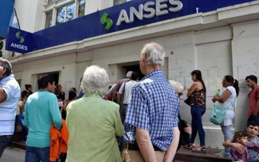 Plan anticrisis: En sólo diez días, más de 700 mil jubilados y beneficiarios de AUH pidieron créditos de ANSES